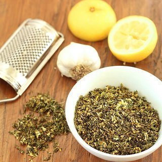 How to Make Your Own Dried Herb Mix {Recipe ReDux}