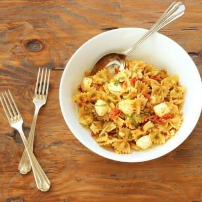 Roasted Tomato Caprese Pasta Salad
