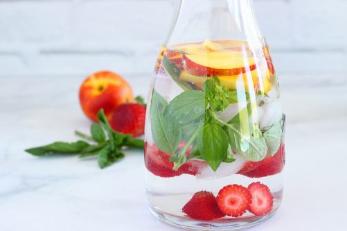 How to make pretty refreshing infused water|Craving Something Healthy