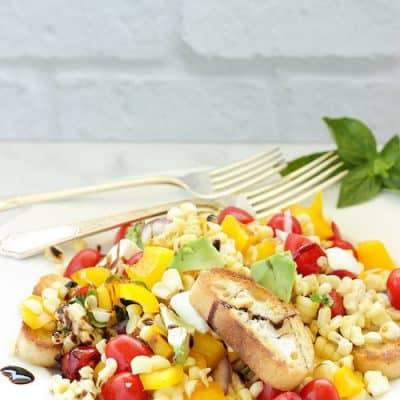 Grilled corn and tomato panzanella salad